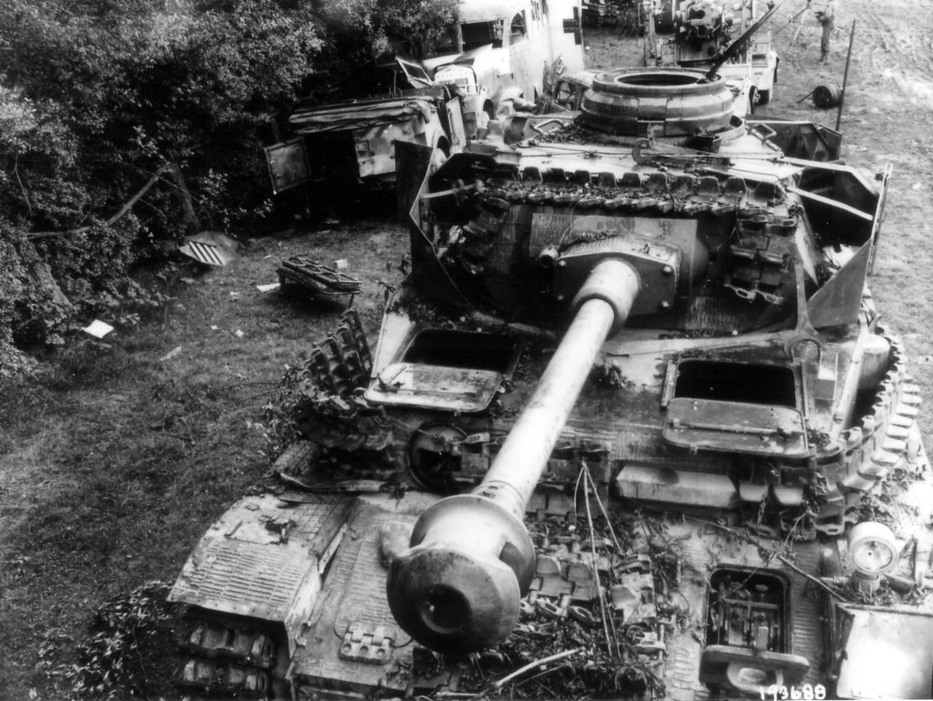 chars allemands Abandonedgermanvehicles8kmwestofses